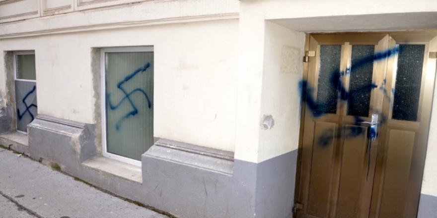 Almanya'da 2020'ye Kovid-19 krizi ve ırkçı saldırılar damgasını vurdu