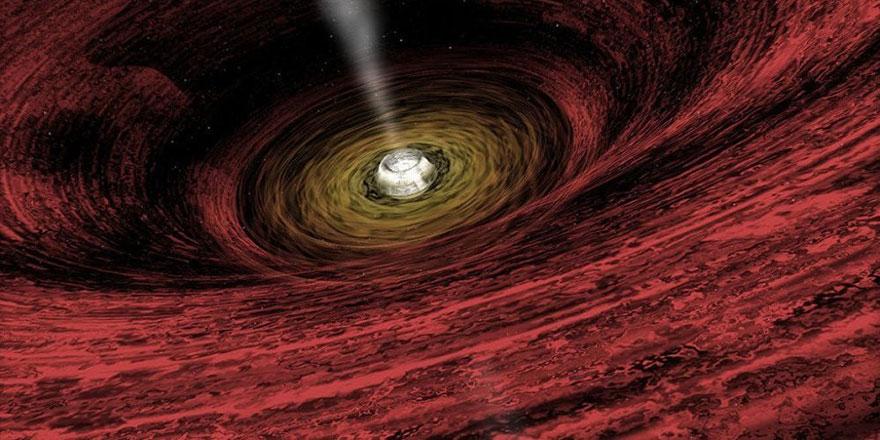 Kara delik, şimdiye dek görülmemiş hızda yutmaya başladı