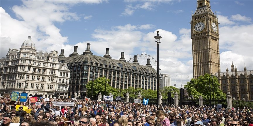 İngiltere'de işsizlik eylülde yüzde 3,8'e geriledi