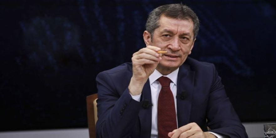 Milli Eğitim Bakanı Selçuk: 'Okullar açılmasın' demek...