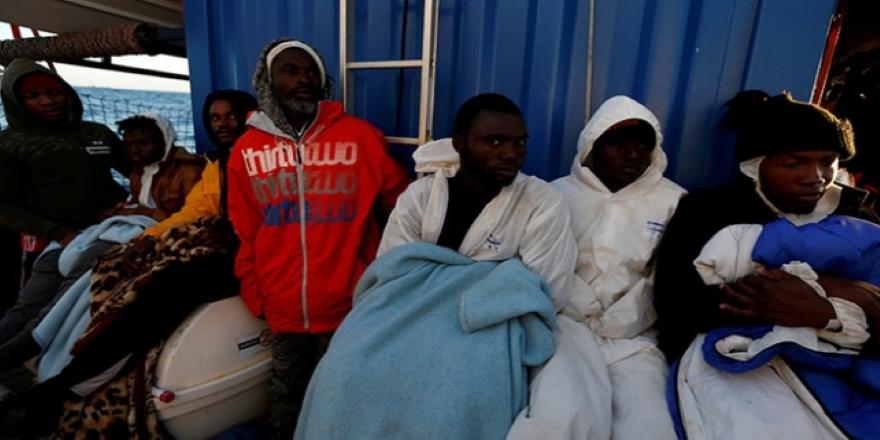 10 gündür gemide bekletilen göçmenleri 4 AB ülkesi paylaşacak