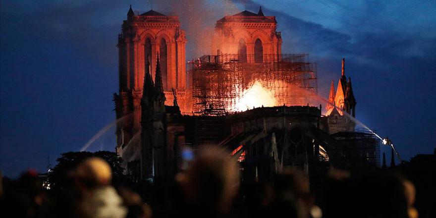 Rus Ortodoks Kilisesi: Notre Dame'ın yanması gizli bir işaret!