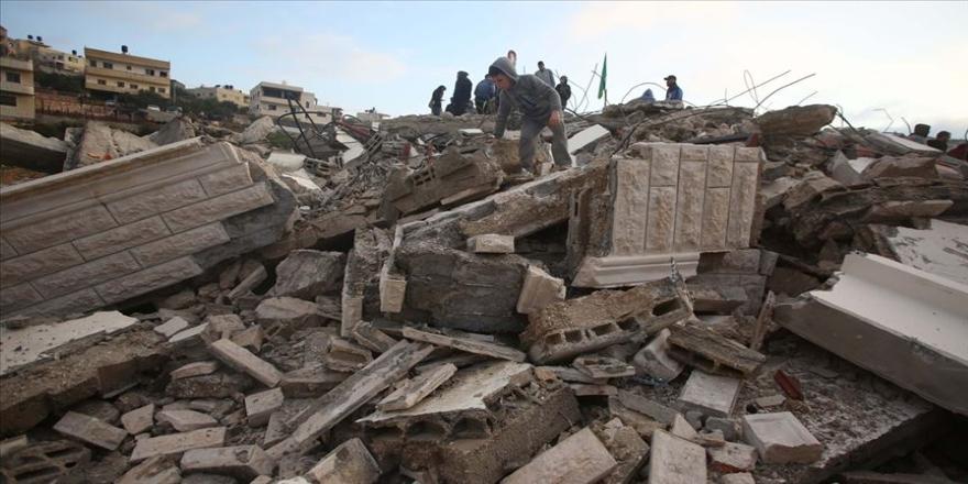 İsrail işgal askerleri Salih el-Bergusi'nin evini yıktı
