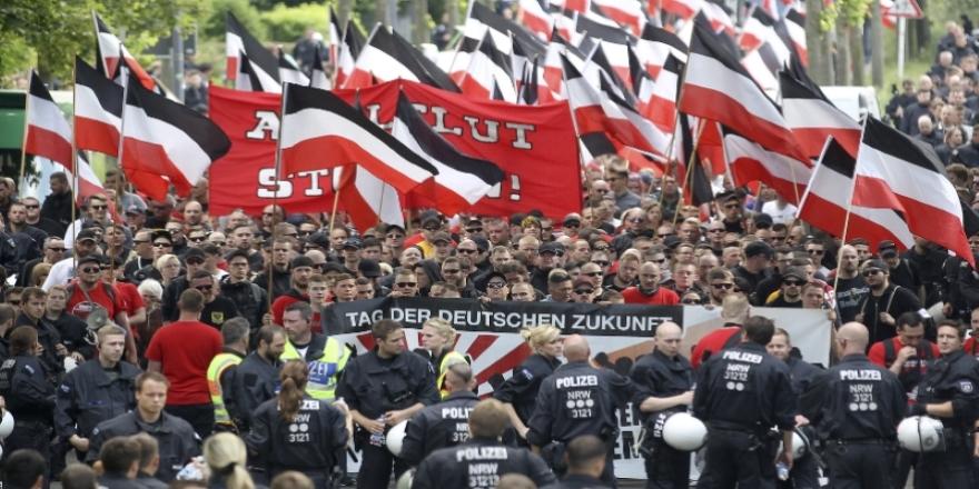 Almanya'da 467 Neonazi kayıplara karıştı