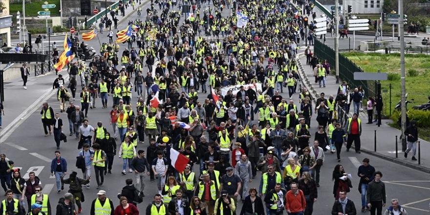 Fransa'da sarı yeleklilerin gösterilerinde 'şiddet olayları' endişesi