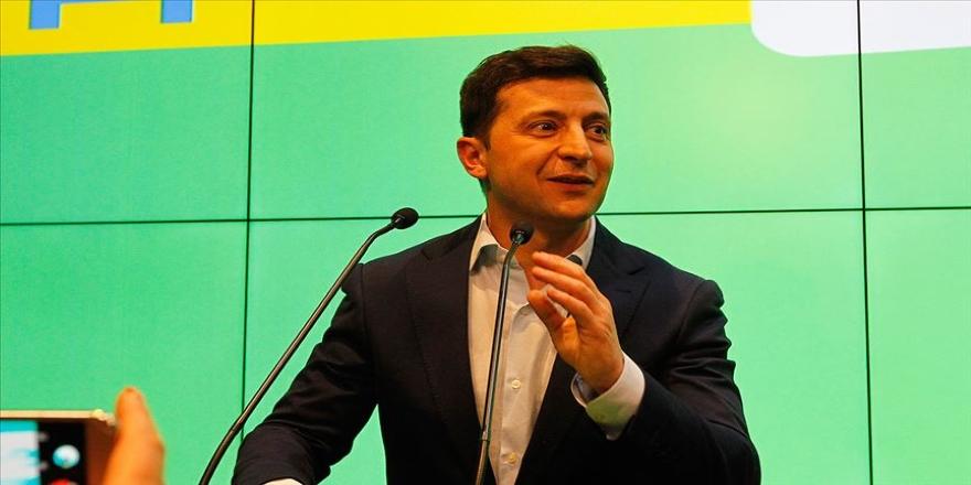 Ciddiye bile alınmayan Zelenskiy, Ukrayna'nın cumhurbaşkanı seçildi