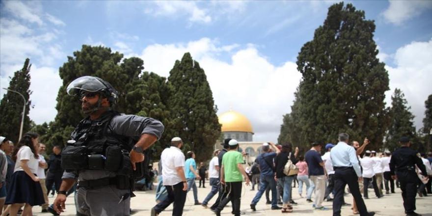 Fanatik Yahudilerin Mescid-i Aksa baskınları sürüyor