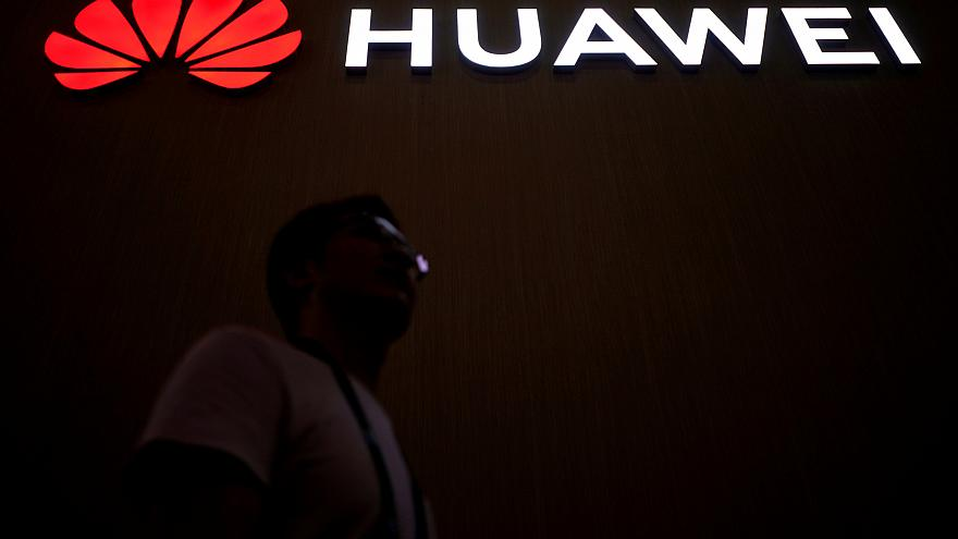 Huawei'den ilk kötü haber geldi: Bir bölümde üretim durdu
