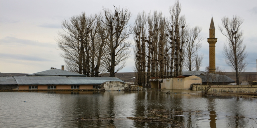 Kars'ta su altında kalacak köye hüzünlü son ziyaret