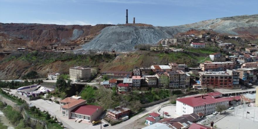 Elazığ Maden'de heyelan riski bulunan ev ve iş yerleri tahliye ediliyor