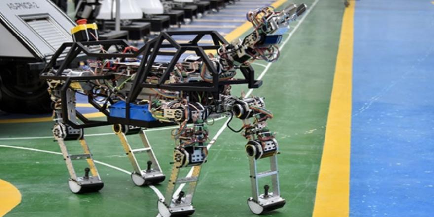 Konya'da 4 ayaklı robot  'ARAT' görücüye çıktı