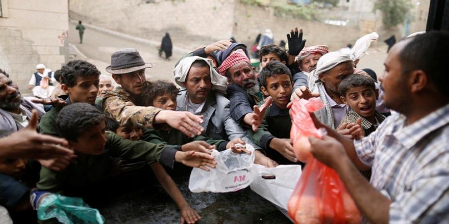 Binlerce Yemenli iç savaşla yerinden oldu