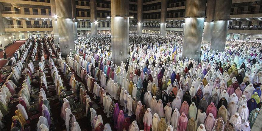 Dünyanın en kalabalık Müslüman ülkesi Endonezya'nın nüfusu 268,5 milyonu geçti
