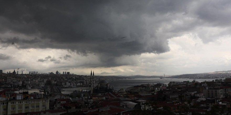 İstanbul'da yağmur ve dolu etkili olmaya başladı