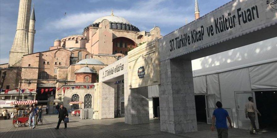 Dini Yayınlar Fuarı için Sultanahmet kararı