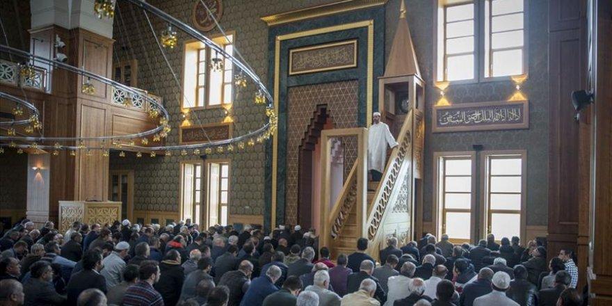Balkan camilerine Vakıflar Genel Müdürlüğü sahip çıkıyor
