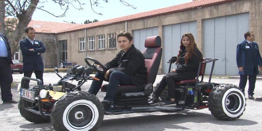 Kayserili öğrencilerden elektrikli araba