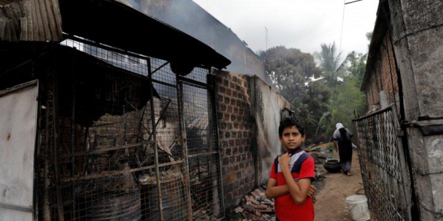 Sri Lanka'da Müslümanlara ait dükkanlar kundaklandı