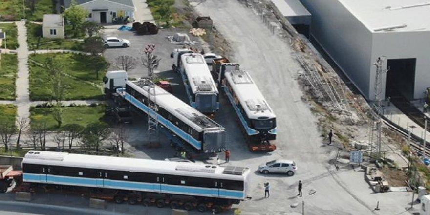 Sürücüsüz metronun yeni tren vagonları raylara indirildi