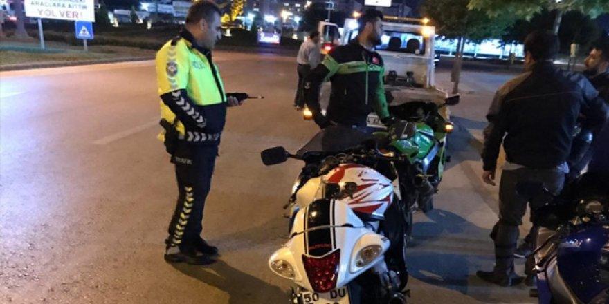 Trafik denetimlerinde bazı araçlara ceza yazıldı
