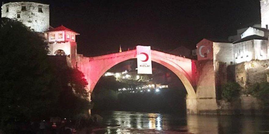 Türk Kızılayı Mostar'da iftar programı düzenledi