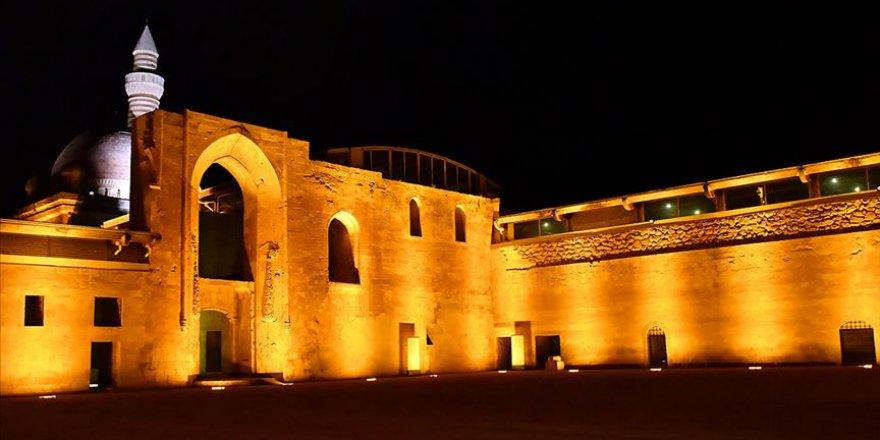 İshak Paşa Sarayı'na yeni nesil aydınlatma