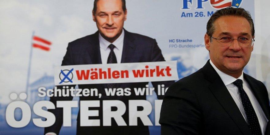 Avusturya'da aşırı sağcılar darbe aldı