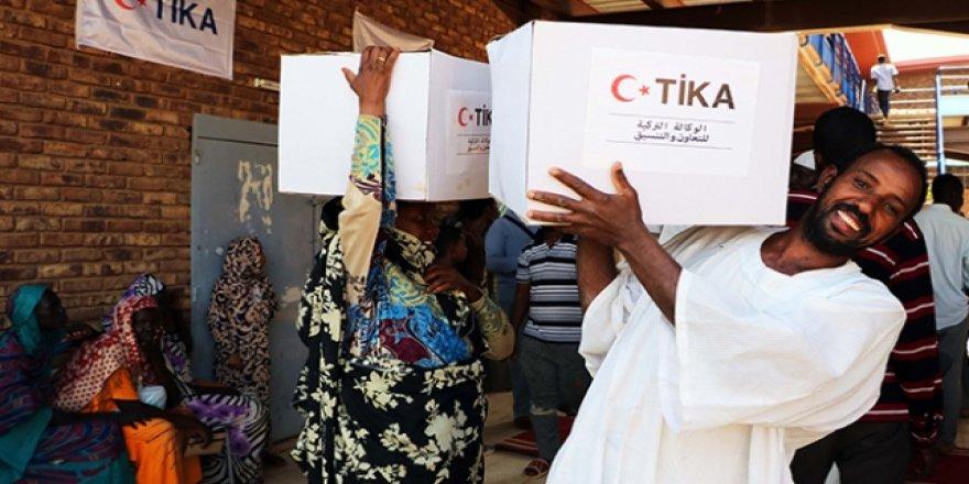 TİKA Hartum'da 2 bin gıda kolisi dağıttı