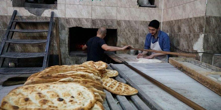 Siirtli işçiler Ramazan'ı kavurucu sıcakta geçiriyor