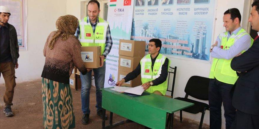 TİKA'dan Tacikistan'da ihtiyaç sahiplerine gıda yardımı