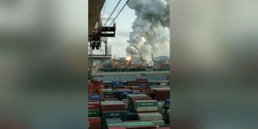 Tayland'da kargo gemisi yandı: 130 kişi hastaneye kaldırıldı