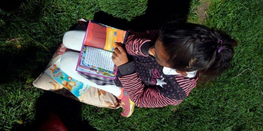 Öğrenciler güzel havayı 'okuyarak' değerlendirdi