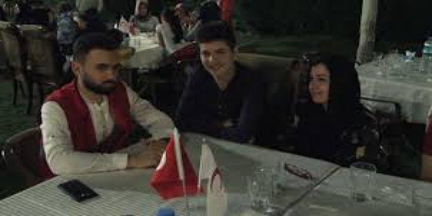 Kızılay, bulduğu parayı sahibine ulaştıran Suriyeli gençle buluştu
