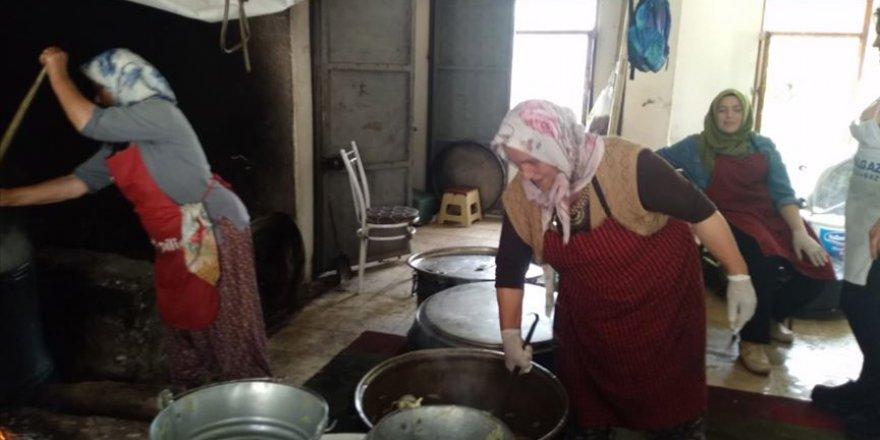 Arefe çorbası geleneği asırlardır sürdürülüyor