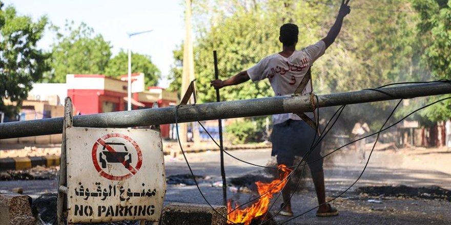 Sudan'da göstericilere müdahaleye dünyadan tepki