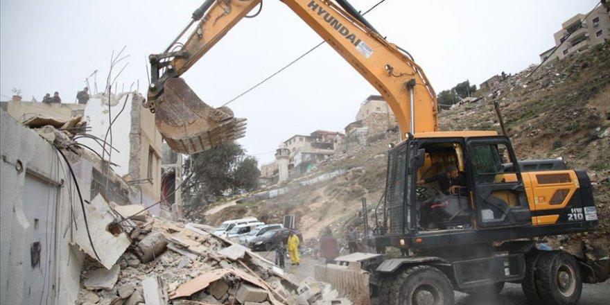 İşgalci İsrail yıkmayı sürdürüyor