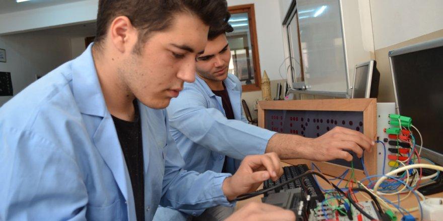 Üniversite-sanayi iş birliği güçlenerek devam ediyor