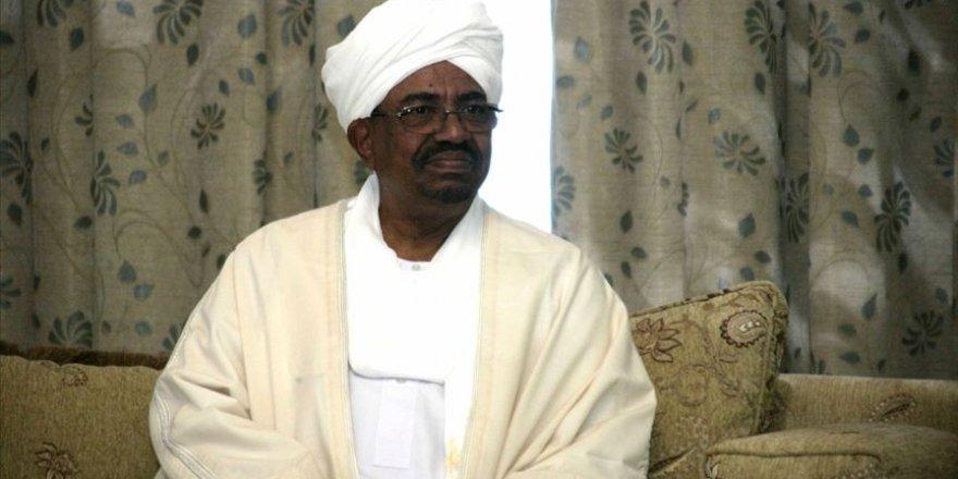Sudan'da devrik lider Beşir'e 'şüpheli servet' suçlaması