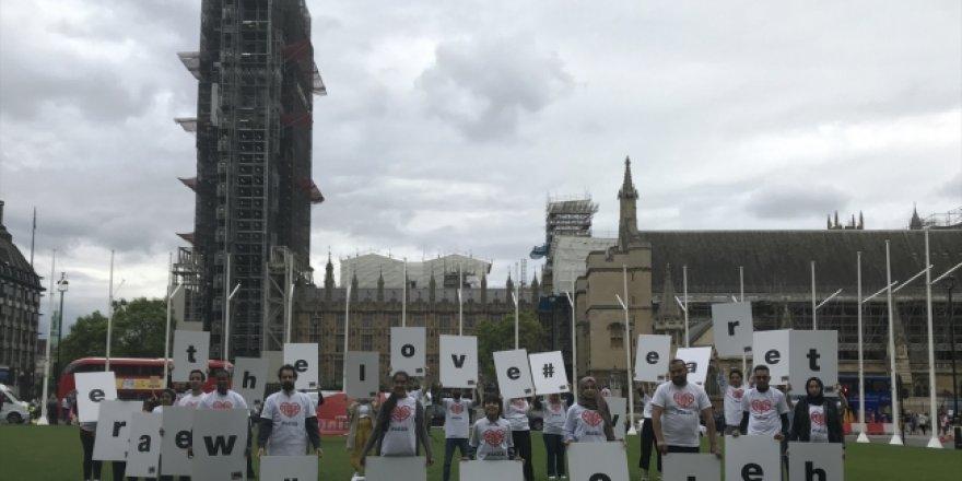 Esed'in İdlib saldırıları Avrupa'nın 18 başkentinde protesto edildi