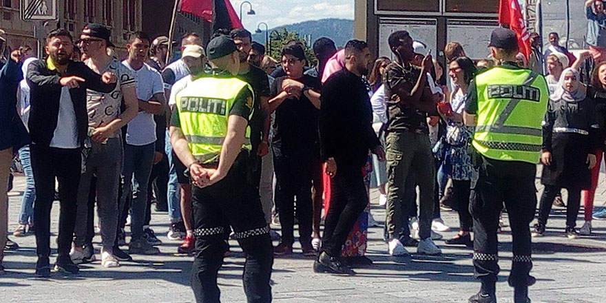 Norveç polisi Kur'an'a hakarete izin vermedi