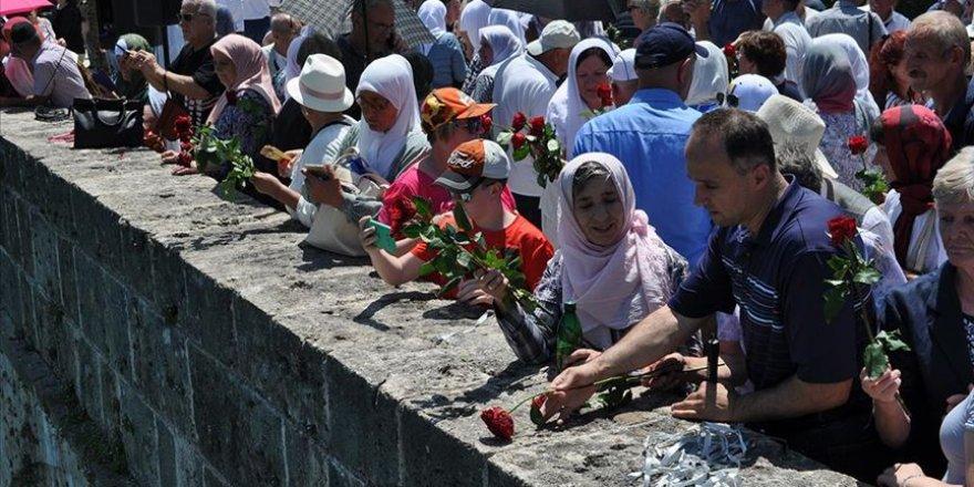 Vahşice katledilen 3 bin Boşnak anıldı