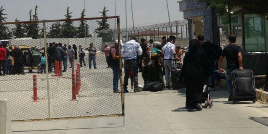 Suriyelilerin bayram dönüşleri devam ediyor