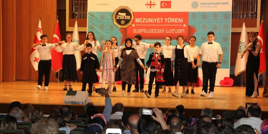 Türkiye Maarif Vakfı Tiflis Okulları mezunlarını verdi