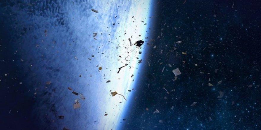 İnsanoğlu uzayı da kirletti risk oluştu