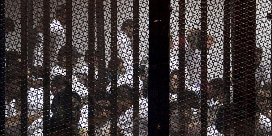 Mısır hapishanelerinde Mursi gibi 60 bin kişi daha yavaş yavaş öldürülüyor