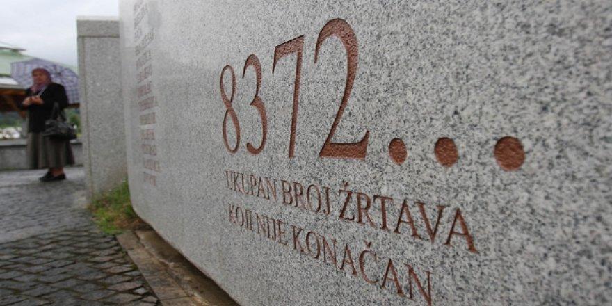 Srebrenitsa'da yaşanan soykırımın acısı tazeliğini koruyor