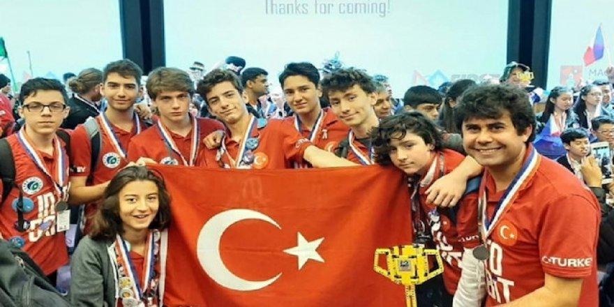 Türk robotik takımı 52 ülke arasından dünya birincisi oldu