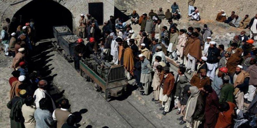 Pakistan'da maden kazası: 11 işçi mahsur