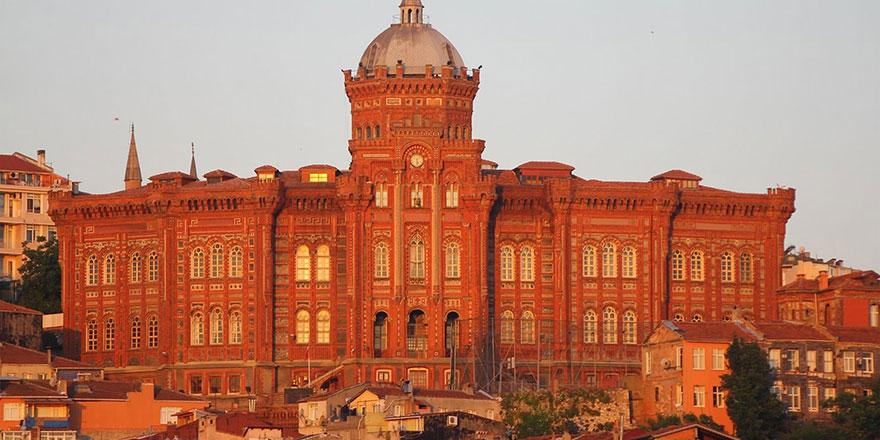 İstanbul'daki Fener Rum Lisesi 565 yıldır eğitim veriyor