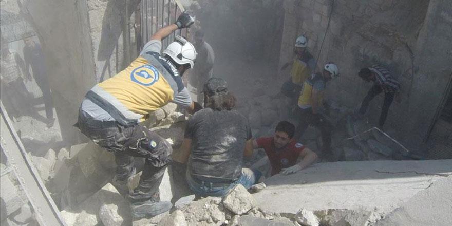 İdlib'e hava saldırıları sürüyo: 5 ölü, 10 yaralı
